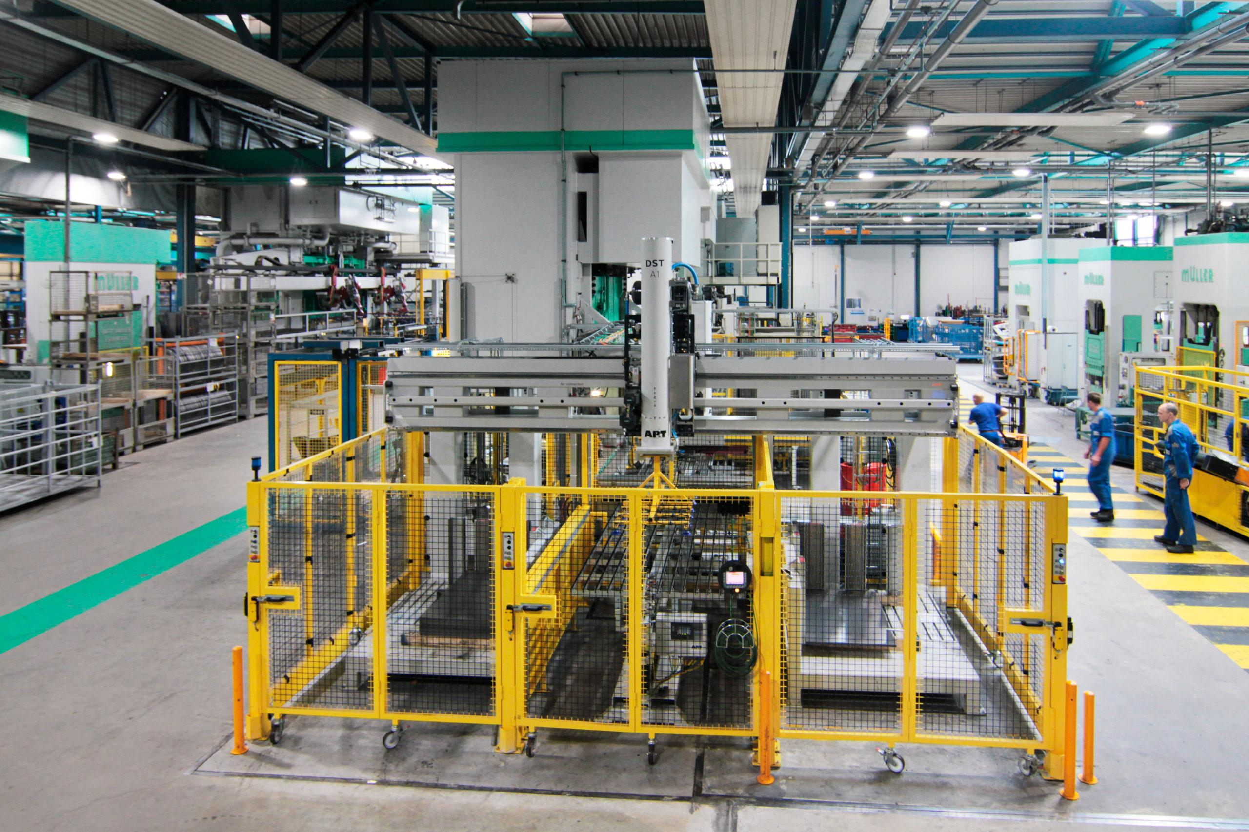 Witte van Moort is the first metal forming company in Europe to install a production solution that incorporates the new generation of automation products from AP&T.